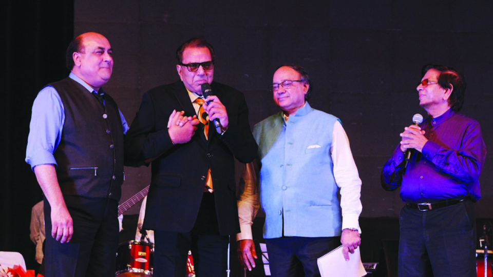 LEGENDARY ACTOR DHARMENDRA PAID TRIBUTE TO MOHAMMED RAFI ON HIS 36th BARSI!