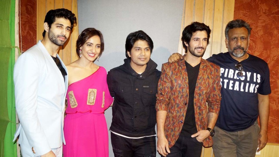'TUM BIN II' STARCAST FLEW TO NOIDA FOR THE PROMOTIONS | BCR NEWS