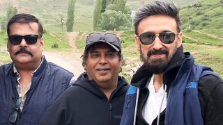 "Local fans train with Rahul Dev in Bishkek for ""Torbaaz"""