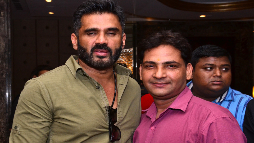 Ajay Shastri (Editor & Director) BCR NEWS (Online News Channel) & BOLLYWOOD CINE REPORTER (National Hindi Film Trade Newspaper) with Act0r Sunil Shetty
