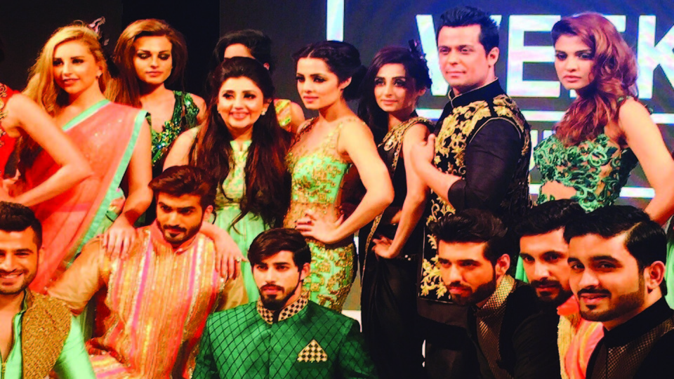Bollywood Action Actor Vikram Singh as show opener showcased Archana Kochhar designs