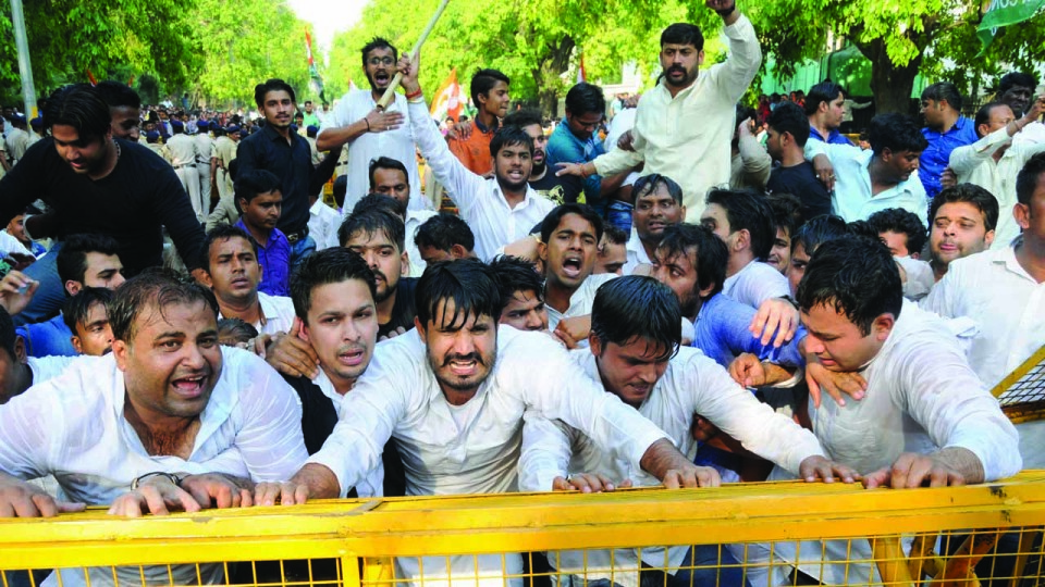 Youth Congress Protest against NDA Government and PM Modi over Agusta-Westland Issue at PMO