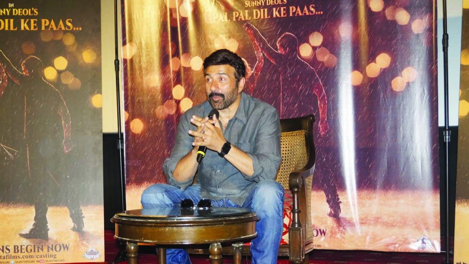 SUNNY DEOL IS IN A HUNT FOR THE LEADING LADYFOR HIS SON's DEBUT FILM