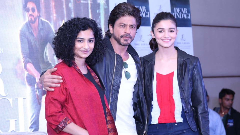 Bollywood News: SRK AND ALIA FOR THE PROMOTIONS OF DEAR ZINDAGI IN GURGAON!